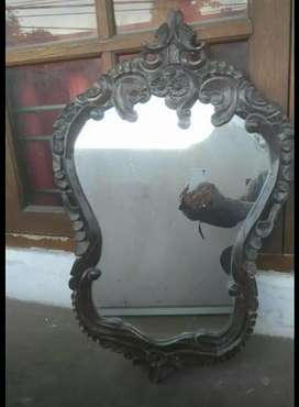 Kaca cermin ukir