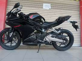 CBR 250RR 2020 km 3rb BLACK BISA TUNAI danTkr tmbh