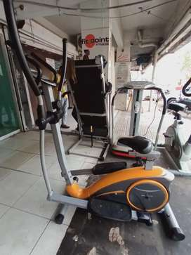 Slim line elliptical