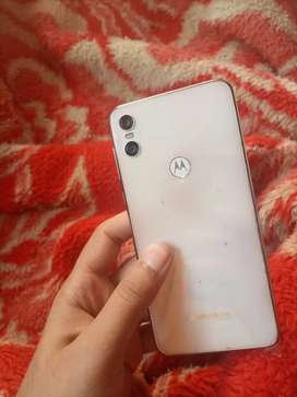 Motorola one 4/64 gb 10/10 condition 15W fast charging
