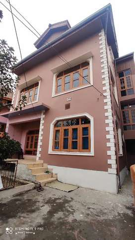 I wnt to sell my complete double  stry house