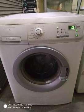 Mesin cuci Electrolux pintu depan murah