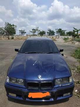 Dijual Mobil BMW e36 318i tahun 1996