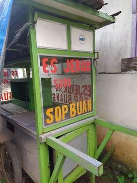Dijual gerobak sop buah juice kondisi bagus ya bis diliat langsung aja