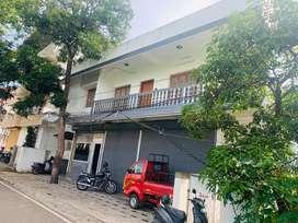 Kathrikadavu jn 4.50cent 2350sqft building for sale