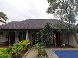 Rumah Dengan Design Classic di Lokasi Premium Kemang