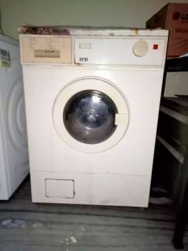 IFB 20ys old washing machine in working condition with minor complaint