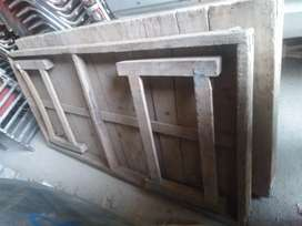 Stage table for sale 15 adad in normal condition