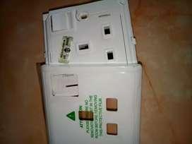 Socket plug buat instalasi rumah