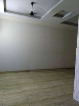 3 BHK BUILDER FLAT AVAILABLE IN VASUNDHARA WITH COVERED CAR PARKING