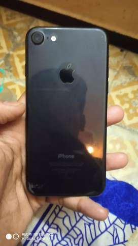 I phone 7 32gb black full condition