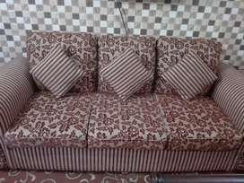 5 seater sofa in very good condition
