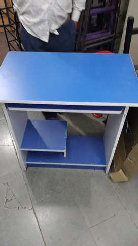 Computer Table 2.5 by 1.5