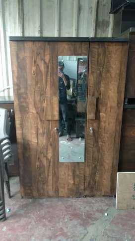 New 3 door wardrobe with mirror