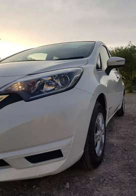 Nissan note E power 2018 peal white