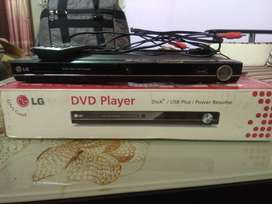 Dvd player with usb support, fully working, in good condition