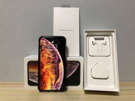 Diwali offer selling i phone xs max  256 GB excellent condition Gold C