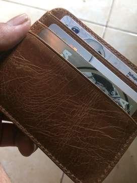 Dompet kartu ekslusif