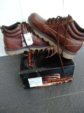 Sepatu semi boot MOSTBREINNER
