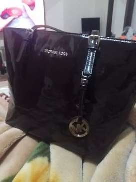 A branded bag Mk brand Frome baljeim one time used for sale
