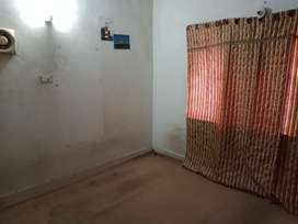 Rooms on rent for bachelors