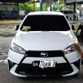 Dijual cepat Toyota Yaris TRD Sportivo matic 2017 BA PADANG