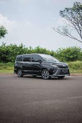 (Harga Cash) Toyota Voxy CBU 2018 hitam