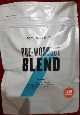 Pre workout blend 250g, fruit punch flavour, myprotein product