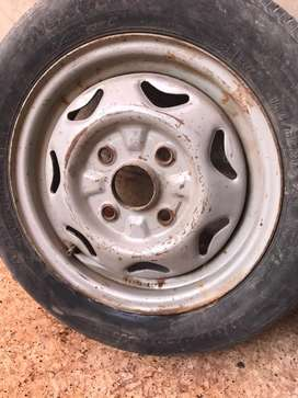 Suzuki Cultus 13 bridgestone tube less tyre with stephni