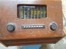 Old Antique Murphy Brand Radio Made In England For Antique Lovers