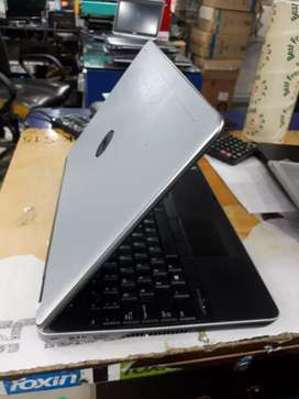 """Dell 15.6"""" display 4gb ram 320gb HDD k sath only 16000 me"""