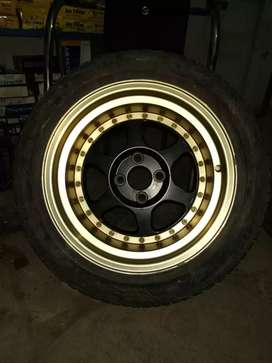 Alloy rims with tyres