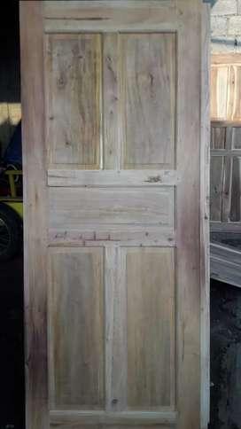 Jual pintu dan kusen dr bahan mahoni