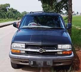 Dilepas dr kandang kebo Opel blazer2000