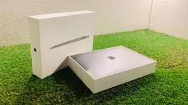 Macbook 2018 Air Touch ID Space Grey i5 New Condition