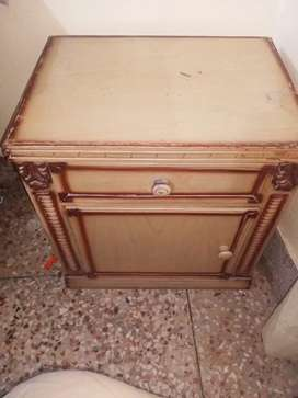 King sized bed ,side tables and dressing table .just few months used