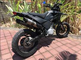 Supermotard 630 all customs and black carbon