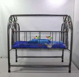 High Quality Baby Cradle (Reliable Metal Rod)