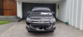 Toyota Kijang Innova V Diesel 2.5 A/T Hitam - Km rendah