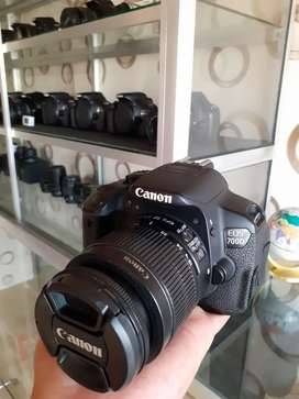 EOS 700D like new