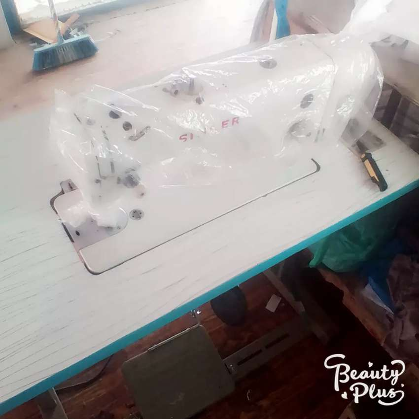 Singer sewing machine2180 for sell 0