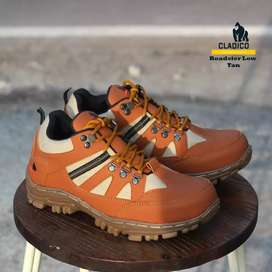 Sepatu ujung besi mulus