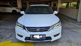 Honda Accord AT 2015 White Sporty
