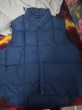 Men's without sleeves jacket unused for sale size xl