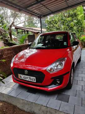 Swift petrol Lxi,no replace,no accident, showroom service