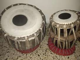 Tabla (complete set) in excellent condition (almost new) for sale...