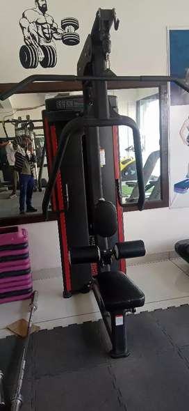 Gym accessories. 1500000 rupees so contact Karein is nmbr pr