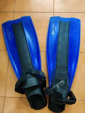 Oceanic scuba gear/ swimming fine