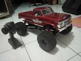 KYOSHO 1/8  MONSTER TRUCK 4WD MAD CRUSHER