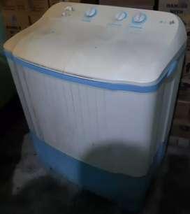 LG Semi Automatic 6.5kg Washing machine